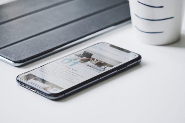Jak sprzedać smartfona online?